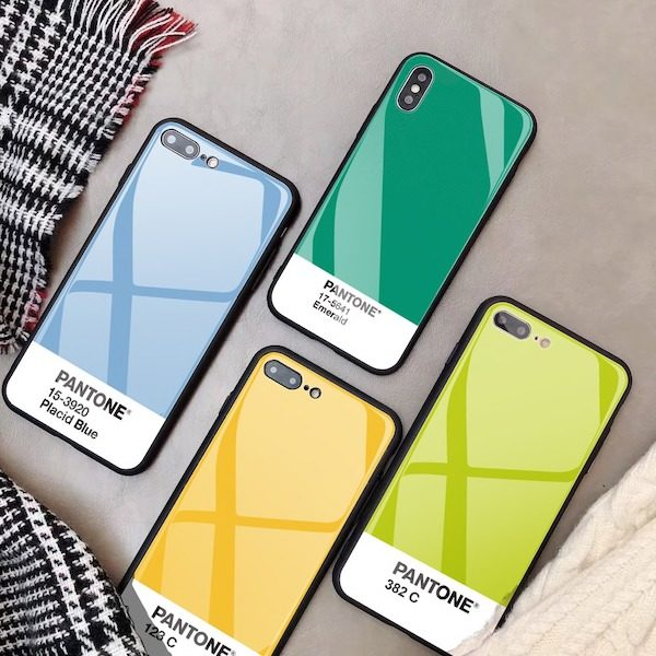 Coque iPhone Pantone