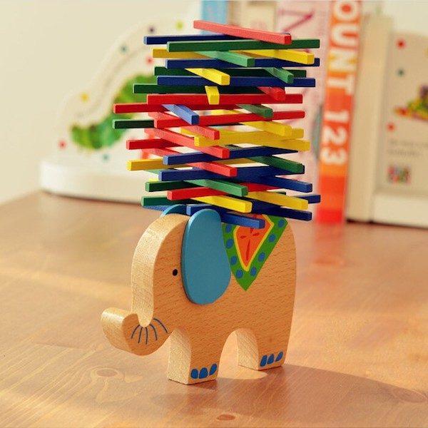 Elephant en bois montessori